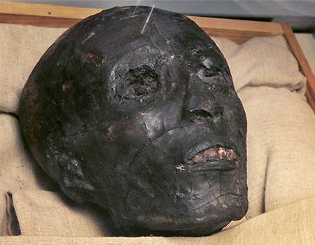 1104071125_m_tut7_skull2.jpg