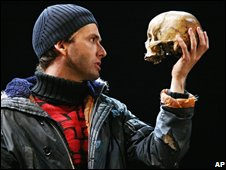 Tennant As Hamlet?  Split Decision!