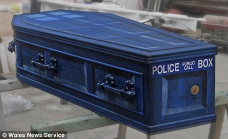 "Fan Has ""Doctor Who"" Themed Funeral"