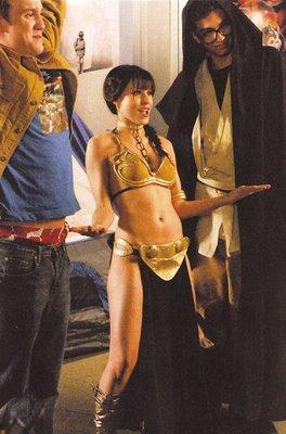 kristen-bell-gold-bikini-leia-02