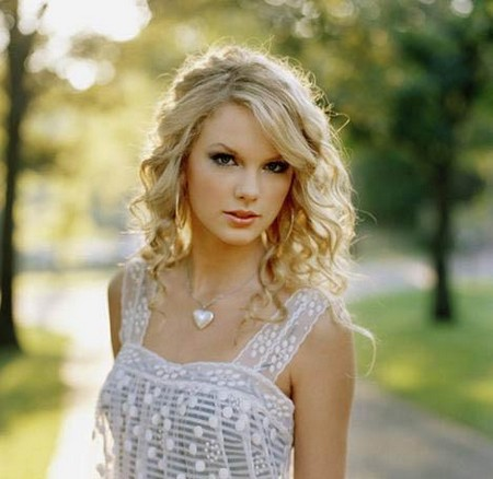 DARKOUS FAMILY info on family Taylor_swift