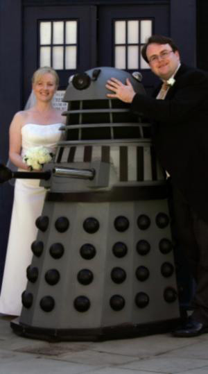 """Fans Hold """"Doctor Who"""" Themed Wedding"""