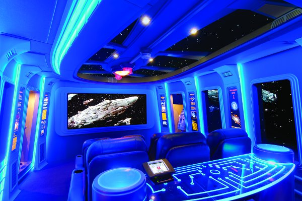 Fan Builds Star Wars Home Theater