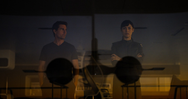 """Oblivion"" — A Slice of SciFi Review"