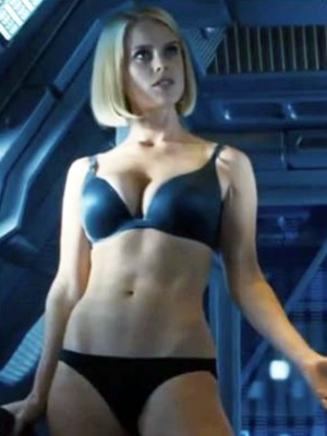alice-eve-star-trek-into-darkness-spinach-diet