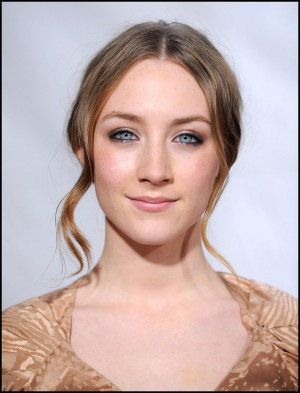 saoirse_ronan_curls_the_host