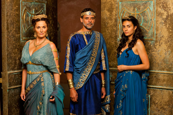 Queen Pasiphae (Sarah Parish), King Minos (Alexander Siddig) and Princess Ariadne (Aiysha Hart) (Photo Credit: © Nick Briggs, BBC AMERICA)
