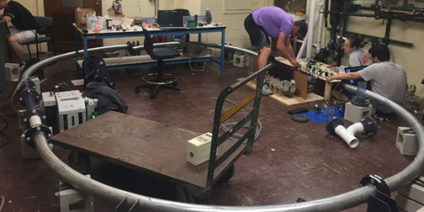 "<span class=""entry-title-primary"">University of Illinois Students Build Working Hyperloop Model</span> <span class=""entry-subtitle"">The 1:24 scale model puts key Hyperloop components to real world tests</span>"